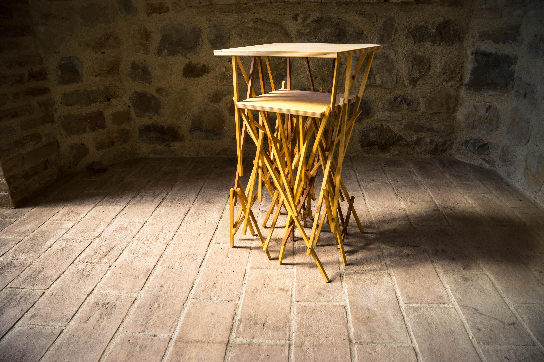 Tavolinetto artigianle in legno top legno
